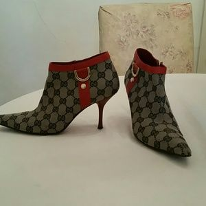 GUCCI navy and red logo booties sz 7.5